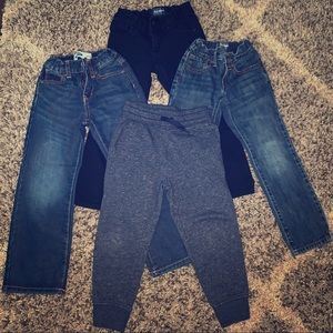 Lot of Boys Old Navy Jeans and sweatpants SZ 5